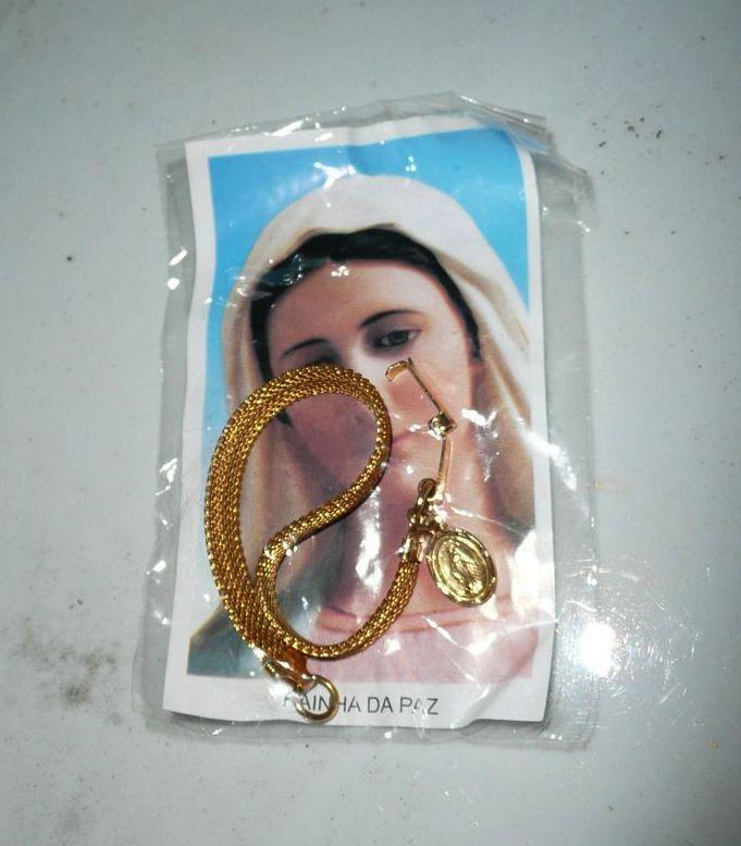 Vintage Miracle Medal Gold Tone Bracelet *New