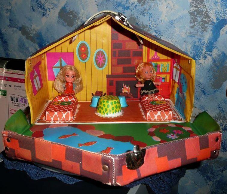 1960's Mattel Liddle Kiddles Kabin  Playhouse /Doll  Case + two Dolls