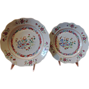 Fine Pair 18th century Chinese Export Porcelain Plates