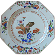 Antique 18th century Chinese Export Porcelain Octagonal Plate in the Kangxi Taste