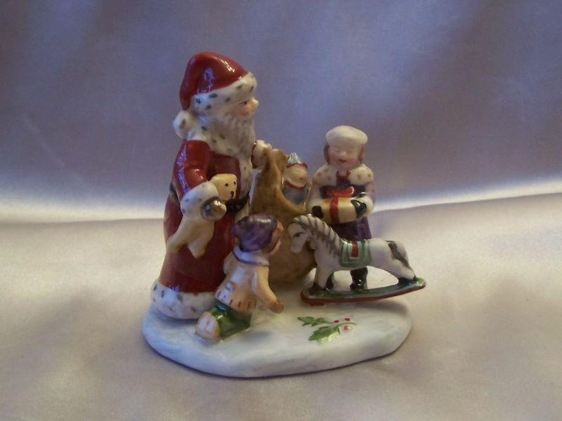 Villeroy & Boch Christmas Toy's Village Figurine