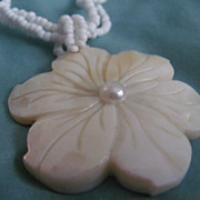 Vintage Carved MOther of Pearl Flower Pendant & Bead Necklace