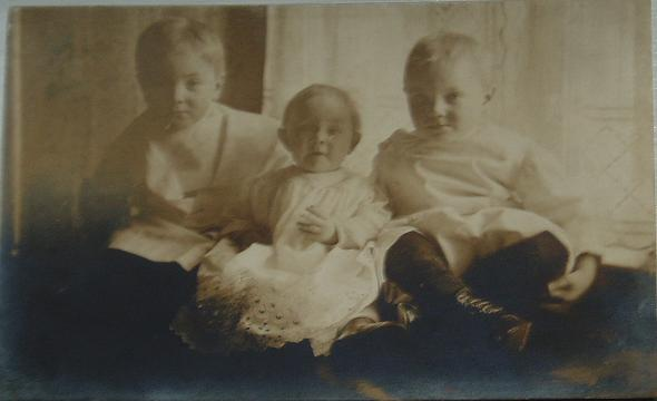 """""""Stanley, Erhart and Annie Evelyn""""  (1910')"""