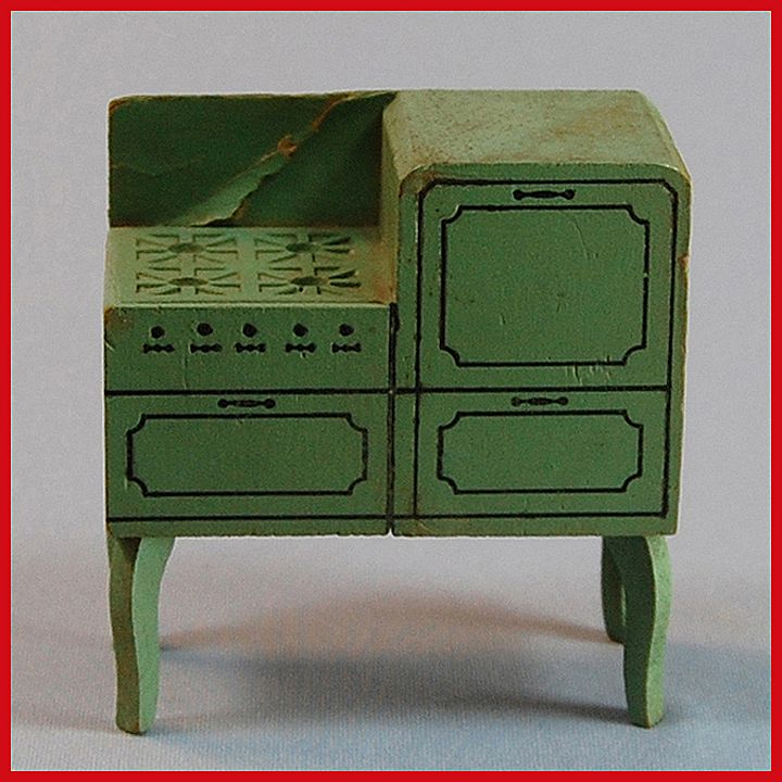 "Strombecker Dollhouse Range - Green 1933 1"" Scale"