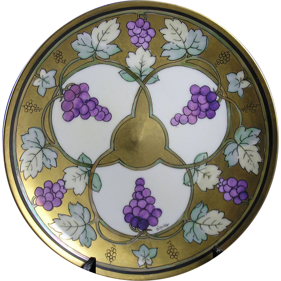 """Haviland Limoges Pickard Studios """"Lustre Grapes & Leaves"""" Design Plate (Signed by Robert Hessler/c.1905-1910)"""