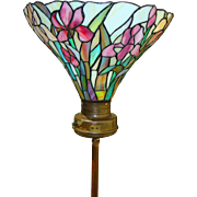 Stunning Tiffany Lamp with Brass Stand