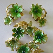 Lovely Vintage Austrian Rhinestone and Enamel Floral Demi Parure- Brooch and Clip Earrings