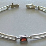 Lovely and Elegant Prong Set Garnet and Sterling Silver Link Bracelet