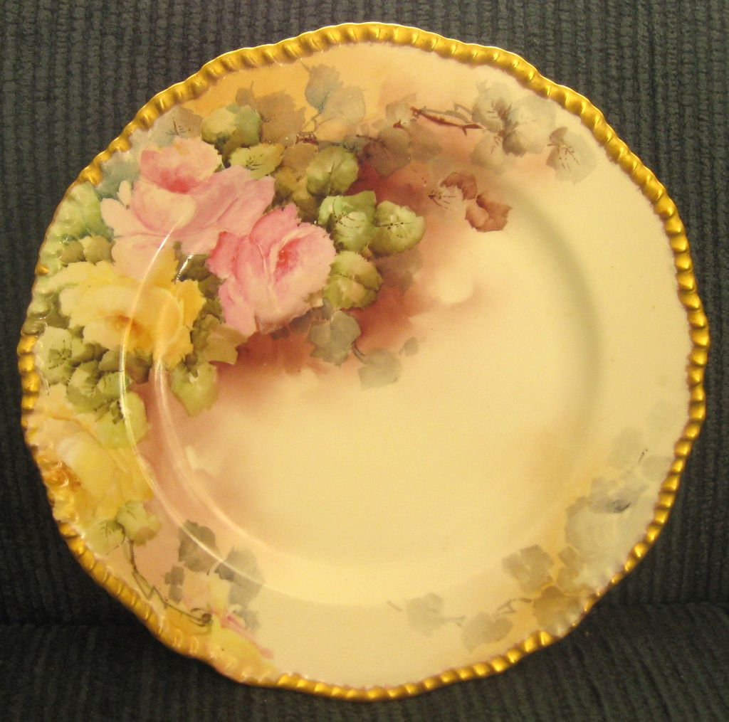 Beautiful Circa 1900 Delinieres & Cie (D&C) Large Limoges Scalloped Hand Painted Roses Porcelain Plate