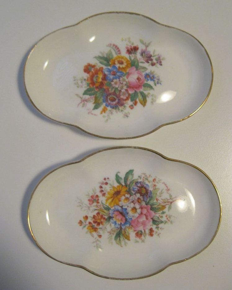 Lovely pair of Coalport Fine China Ring or Dresser Dishes, England