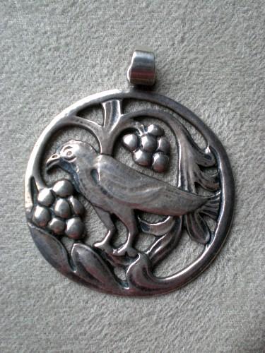 Charming Vintage Stelring Silver Bird Pendant