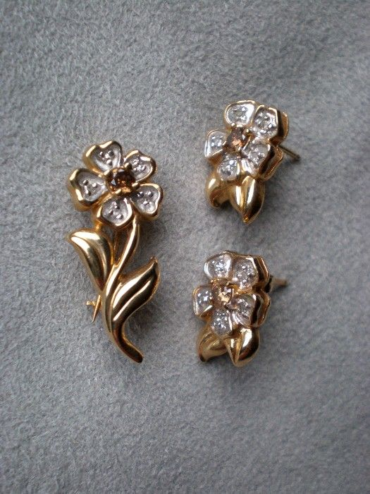 Gorgeous 14k Gold and Smokey Quartz Flower Pin & Earrings