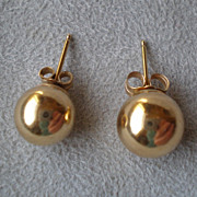 Fabulous Pair 14k Yellow Gold Ball Earrings