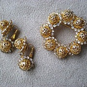 """Fabulous Vintage """"Hobe"""" Brooch / Pin with Matching Earrings"""