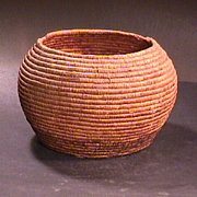 Early 1900s Native North American Coiled Grass Basket (10 inch diam.)