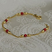 18K Yellow Gold and Carnelian Bracelet
