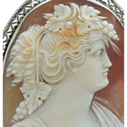 Detailed Italian Hand Carved Cameo in 14K Gold