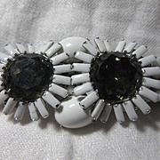 White Set Stones Bracelet With Smoky Flowers