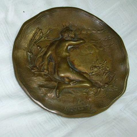 Bronze Nude Ring Change Tray Modesty