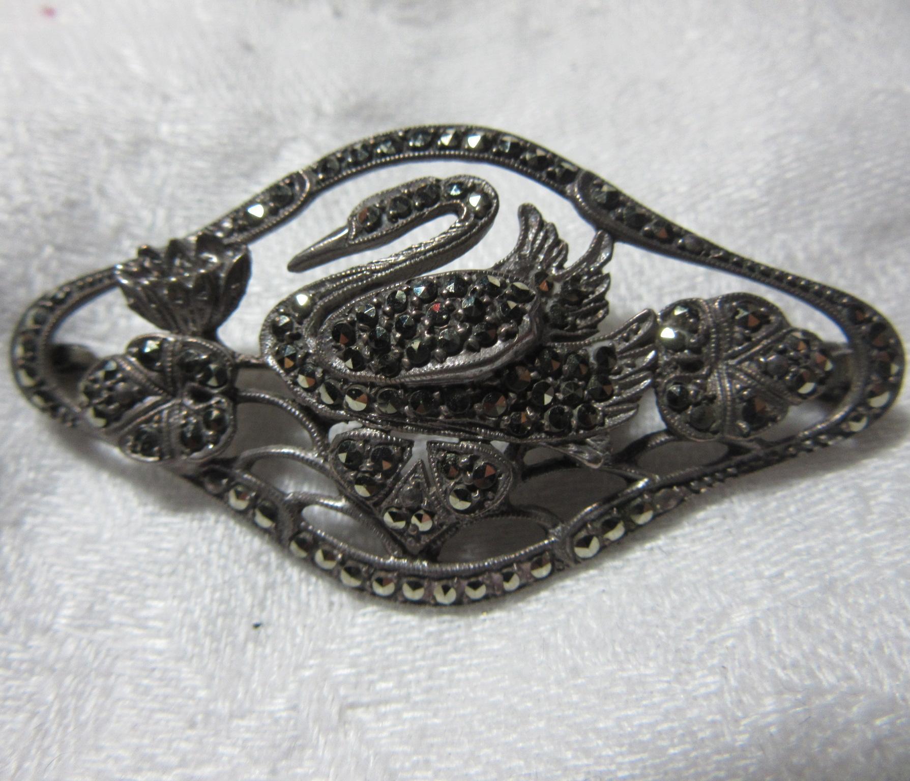 835 Silver Swan Brooch Pin Marcasites