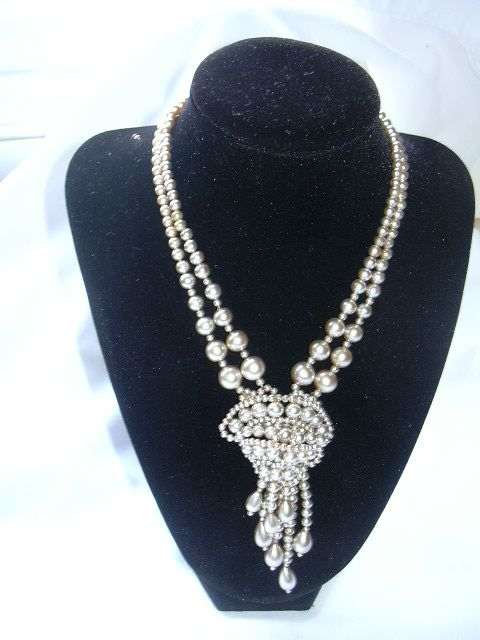 Draped Faux Pearl Necklace