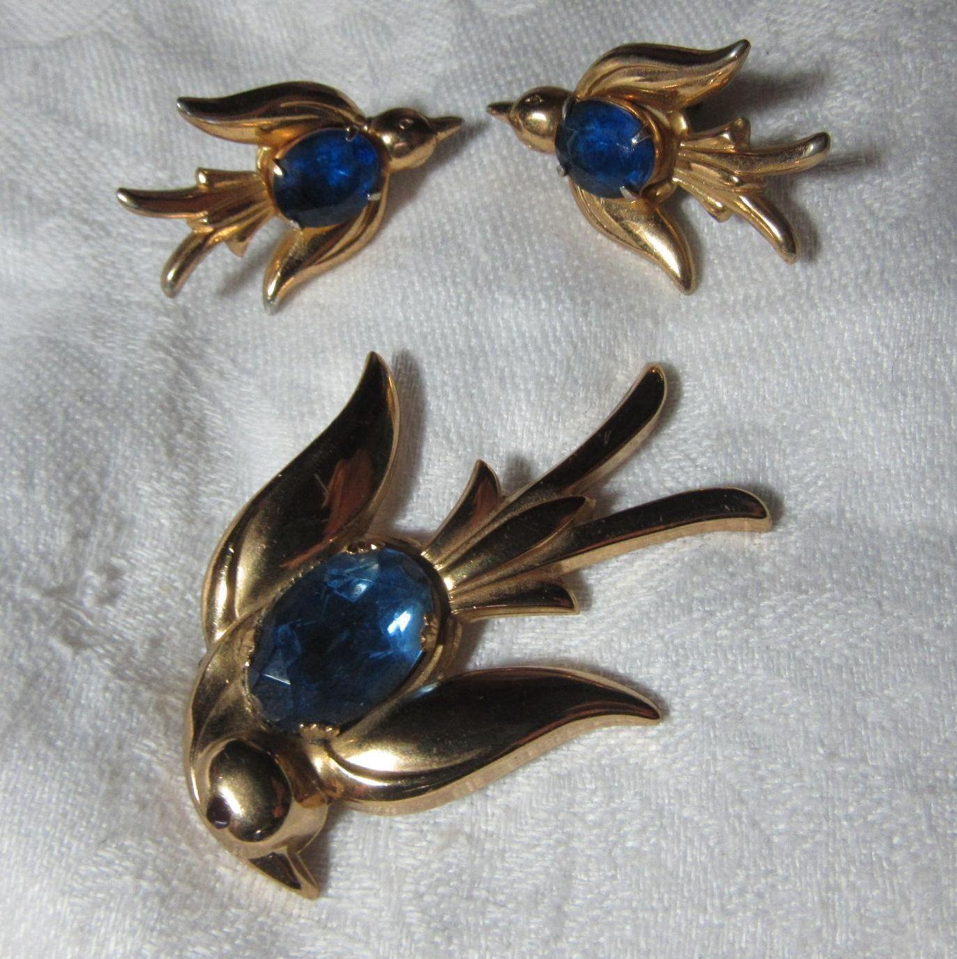 Coro Rare Blue Bird Pin Earrings Set Demi Parure