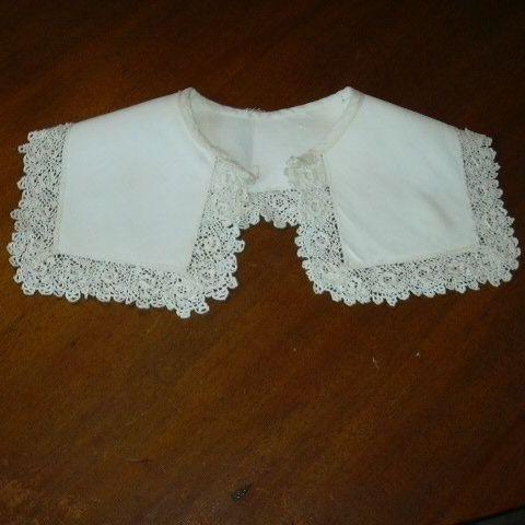 Old White Faille Collar With Crochet Needle Lace Edging