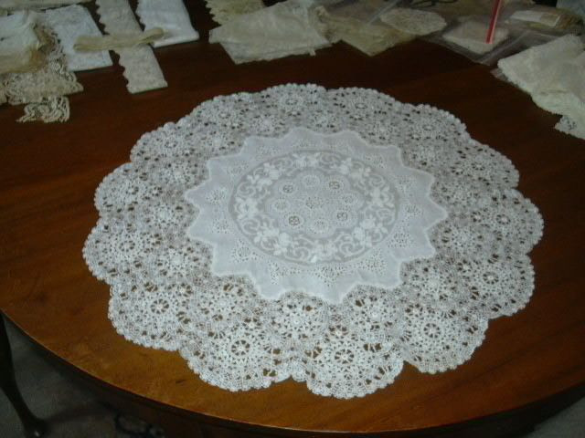 White Cotton Embroidery & Lace Round Cloth
