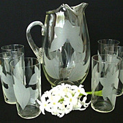 Water Glass Set With Abstract Etched Floral Design
