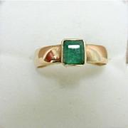 Emerald Ring Hallmarked 1867 9 Carat Gold