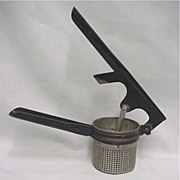 SALE Potato Masher Kitchen Utensil Landers Frary and Clark