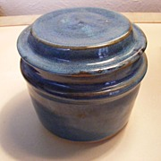 Pretty Blue pottery / ceramic covered vanity jar