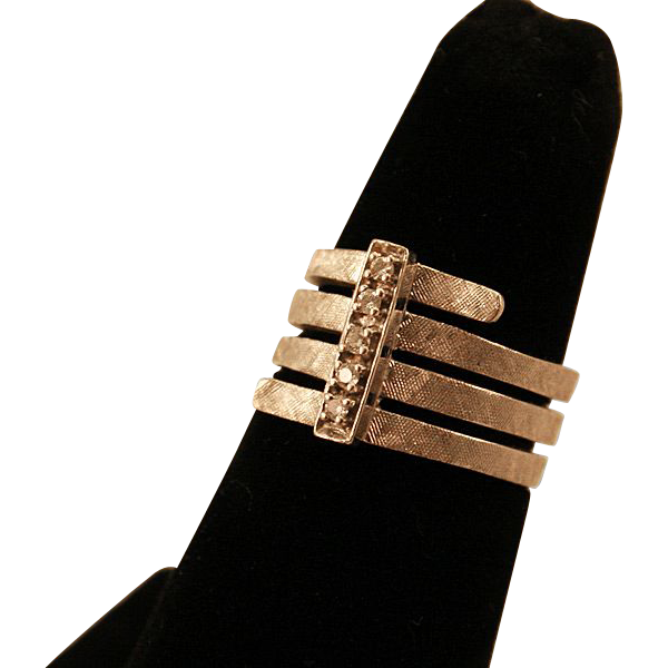 14K White Gold Ring with FIVE DIAMONDS, Absolutely Gorgeous!