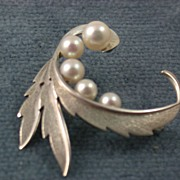 Estate Mikimoto 5 Cultured Pearl Sterling Brooch