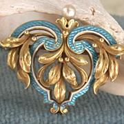 14K Cresarrow Enamel and Pearl Brooch