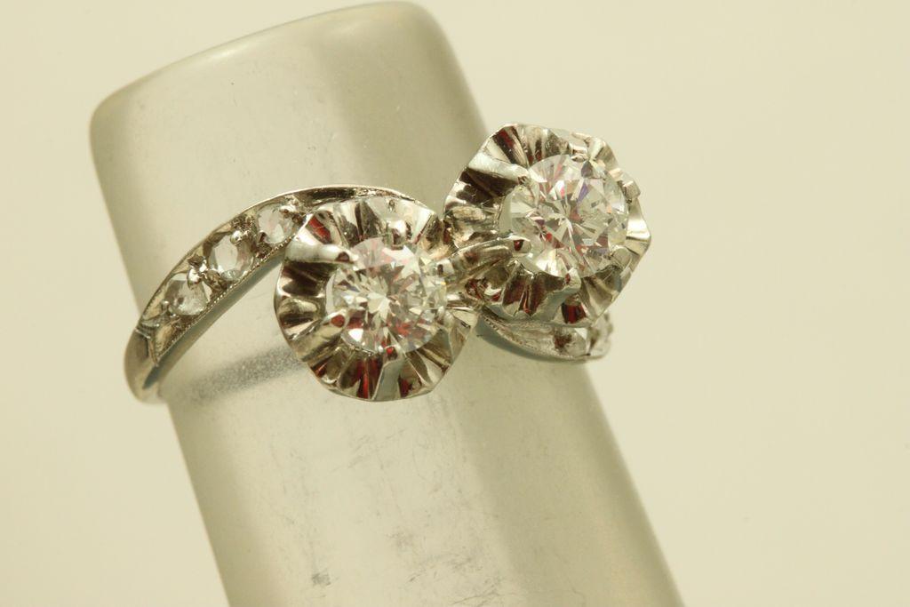 Vintage Platinum Toi et Moi Diamond Ring