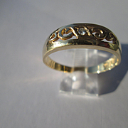14kt Yellow Gold Unisex Vintage Single Diamond Wedding Band