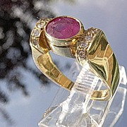 14kt Vintage Ruby/Multi Diamond Ladies Ring