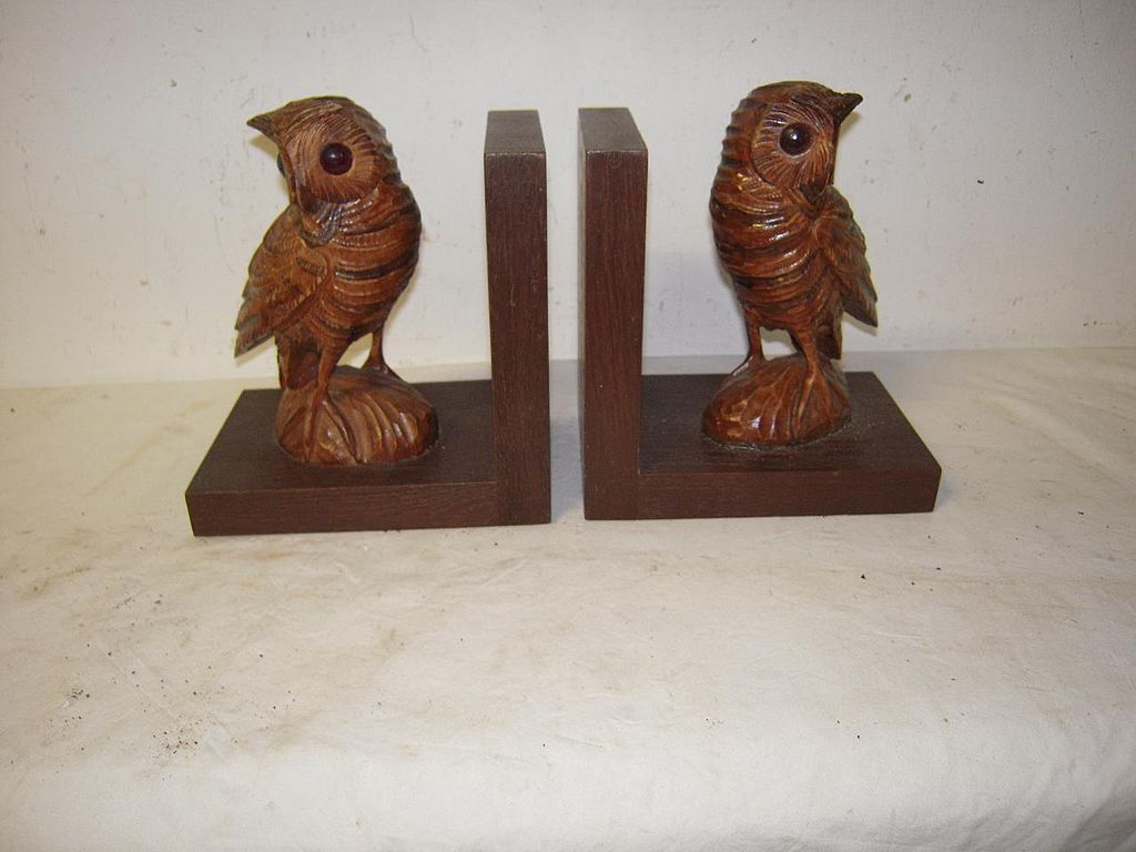 A Pair Antique Fine Carved Wood Black Forest Owl Bookends