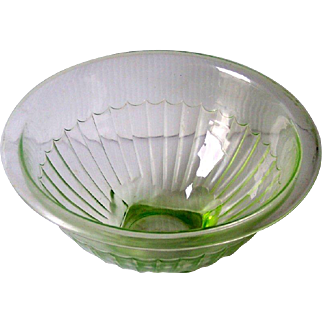 Vintage Green Depression Glass Bowl, Mixing Bowl 9 inches Mint Condition!
