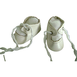 """Vintage White Leather Doll Shoes 2 3/8"""" long, Toni P91 Shirley Temple Effanbee Patsy Madame Alexander"""