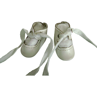 """Vintage White Leather Doll Shoes 2"""" long, Toni P90 Shirley Temple Effanbee Patsy Kin Madame Alexander"""