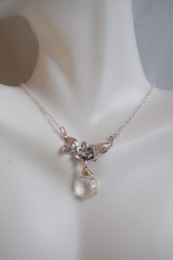 Crystal Quartz And Flower pendant Necklace