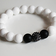 White Agate and Matte Black Onyx Beaded Bracelet - Stretch Bracelet