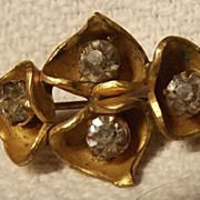 Gold Tone Pin With Rhinestones