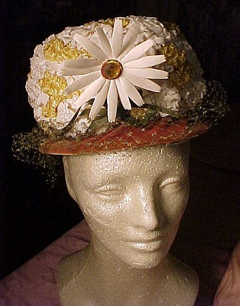Faux Straw  Hat With Daisy