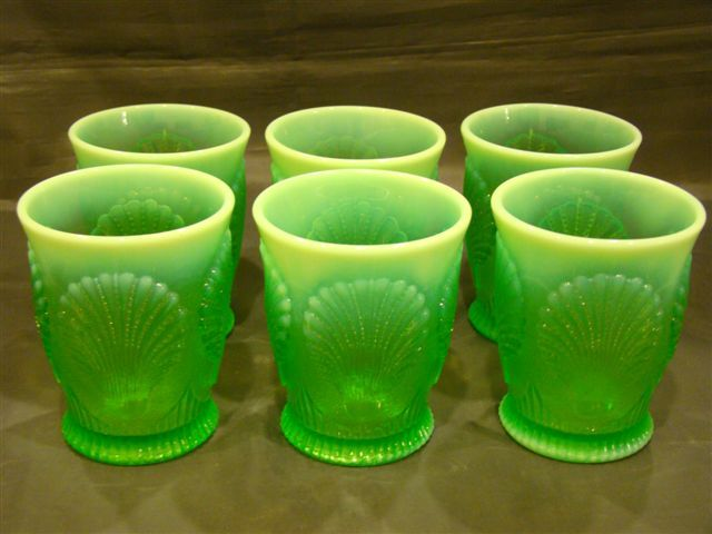 Dugan green opalescent set of six Beaded Shell tumblers