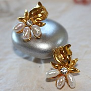 Lovely Avon Orchid Cultured Freshwater Pearl Earrings