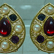 1970's Richelieu Earrings with Rhinestones and Pearls!
