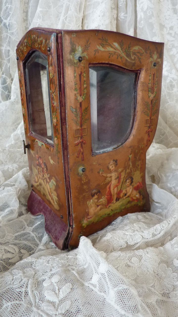 Antique French miniature sedan chair doll display vitrine  cherubs porte montre